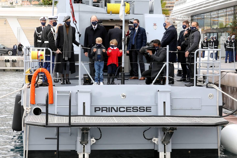 """La nouvelle vedette de la police maritime de Monaco a été baptisée """"Princesse Gabriella"""", ce mercredi midi, en présence de la famille princière."""