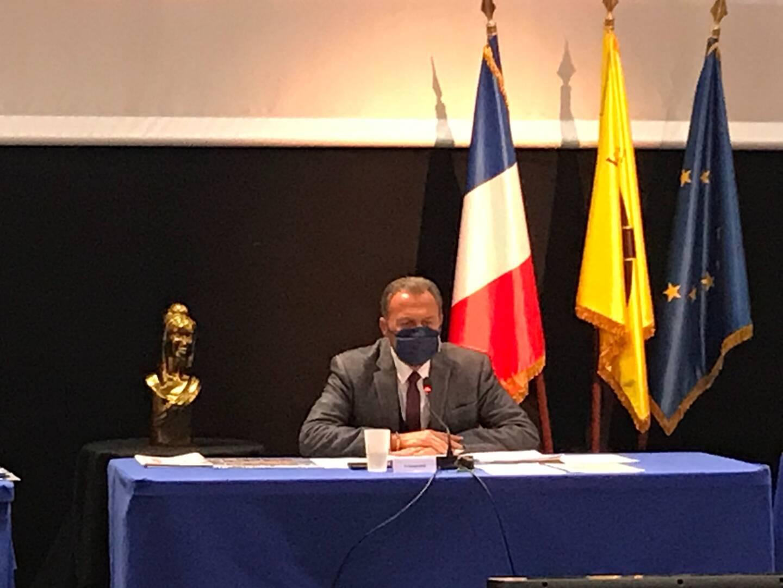 Le maire de Villeneuve -Loubet a présenté, ce jeudi, une motion de soutien aux organisateurs et artistes du monde culturel.