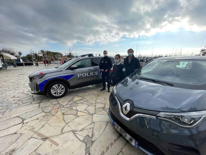 Après s'être séparés d'un véhicule qui n'était plus en état, les effectifs du commissaire divisionnaire Gilles Vallerian ont récupéré deux véhicules neufs.