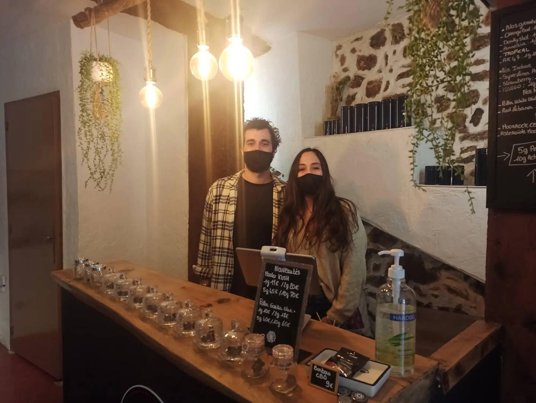 Lisa et Axel, gérants de la boutique High Five CBD.