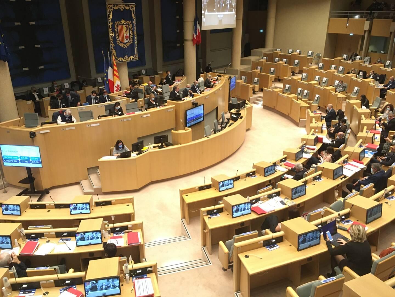 Une séance plénière du conseil régional, à Marseille.
