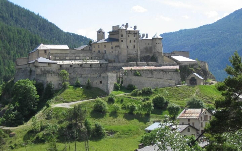 Le château médiéval et fortifié par Vauban dans le Queyras