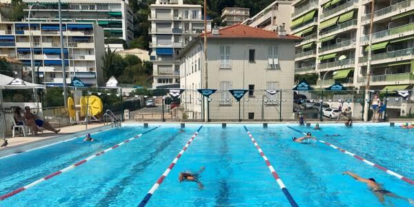 Les bassins extérieurs des piscines Fernand Anelli, à Nice, le Grand Bleu à Cannes et le stade nautique d'Antibes sont accessibles. Et les créneaux sont pris d'assaut par les nageurs de la Côte d'Azur.