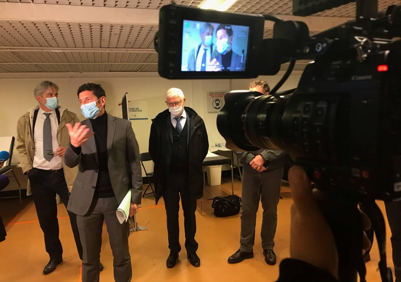 Le maire David Lisnard a présenté la stratégie vaccinale que Cannes veut déployer.