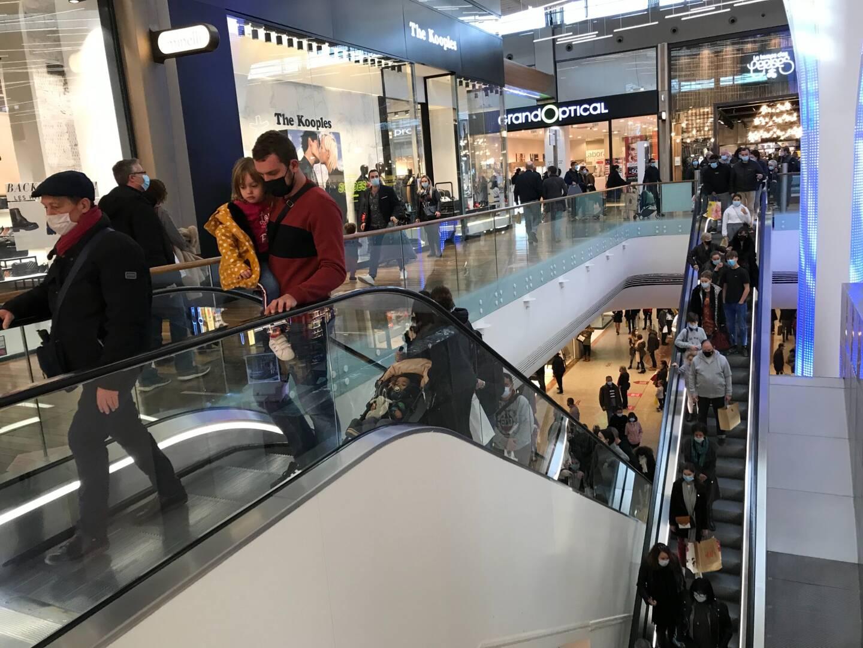 Au centre commercial Cap 3000, à Saint-Laurent-du-Var, ce samedi matin.