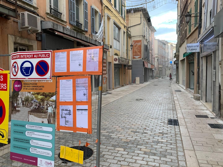 À Brignoles, les chantiers sont nombreux. Ils témoignent de ce qui se joue actuellement: le renouveau de la cité des Comtes de Provence.