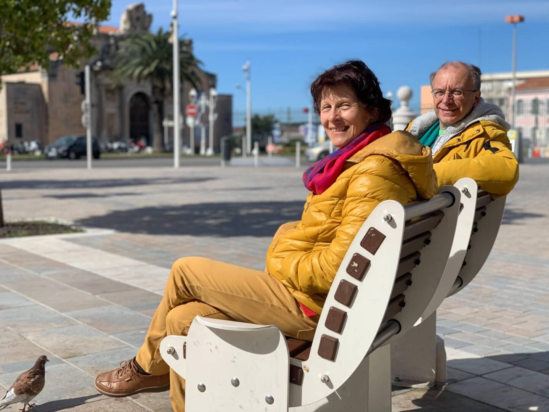 Andrea Sethi et Philippe Leroy militent depuis plus de 4 ans pour l'implantation de bancs et autres assises dans le centre historique de Toulon.