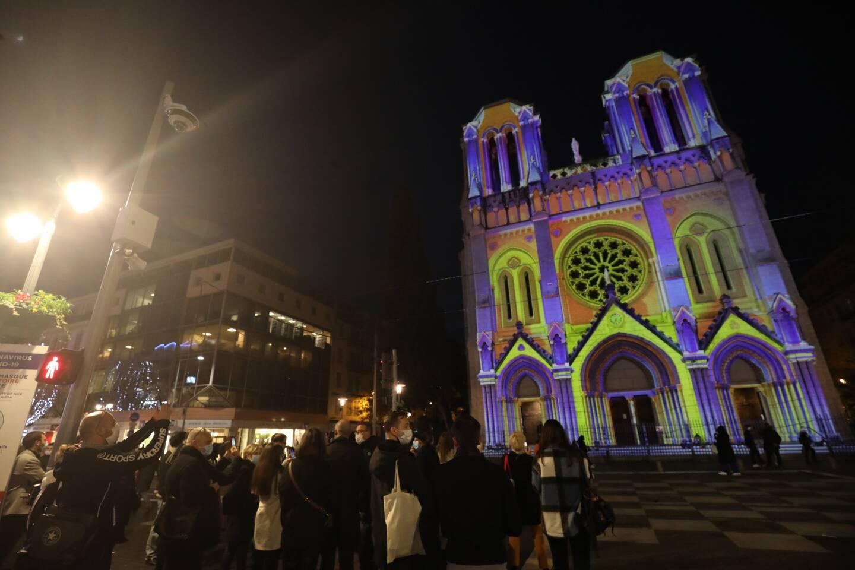 La Ville de Nice a lancé ce lundi 17h30 l'illumination de la basilique pour les fêtes de Noël.