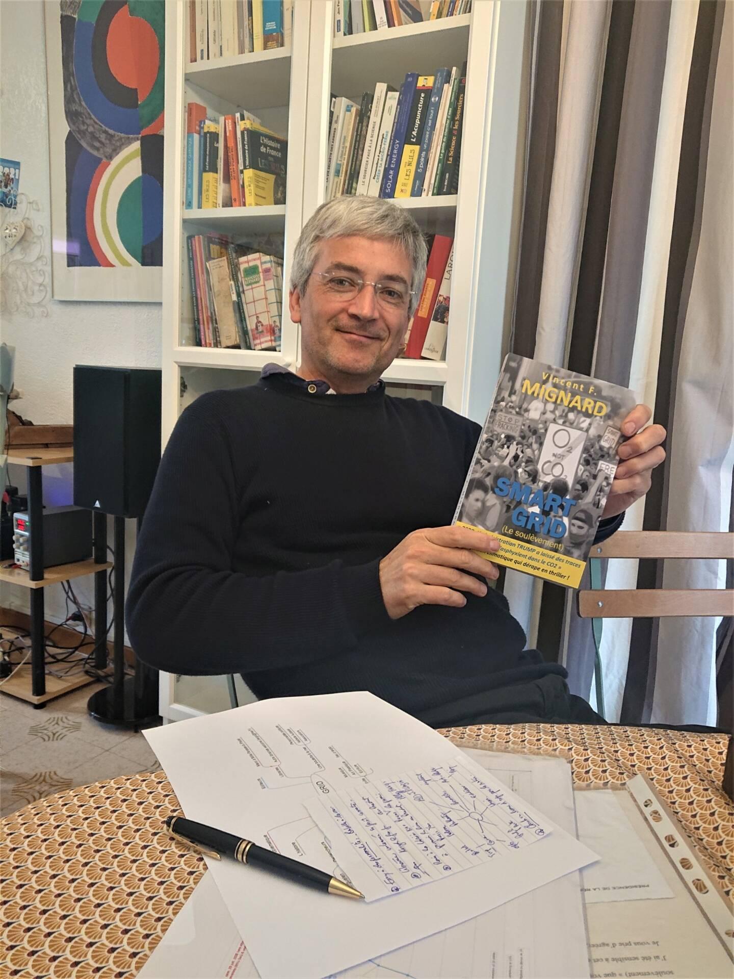 Dans sa fiction Smart Grid, Vincent Mignard parle du retour de boomerang qui nous attend si le monde n'effectue pas sa transition énergétique.