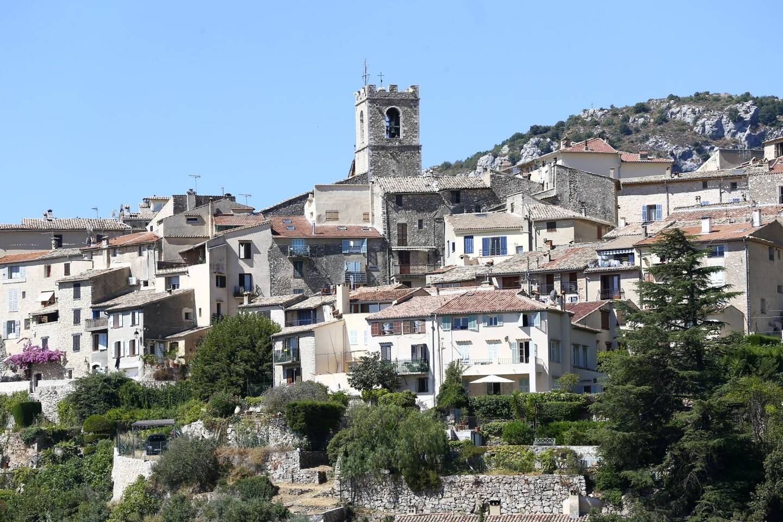 Il ne sera plus possible, aux visiteurs, de stationner dans le village de Saint-Jeannet à compter de ce week-end.