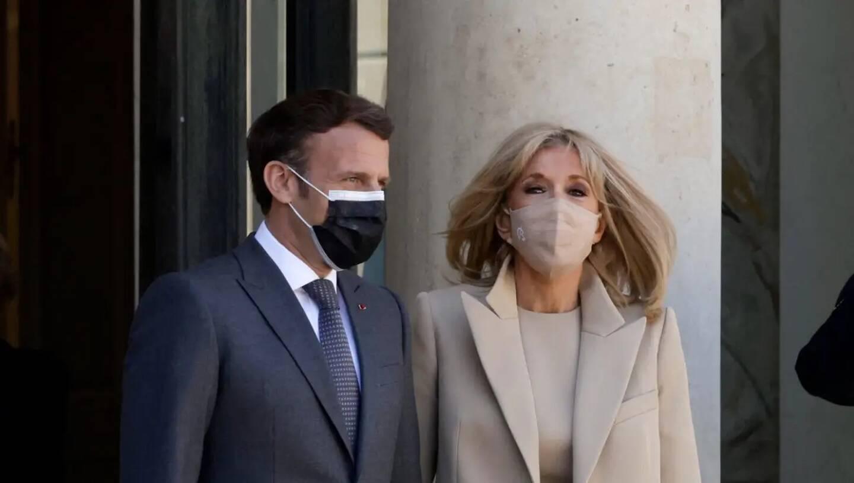 Le président français, Emmanuel Macron, et la première dame, Brigitte Macron.