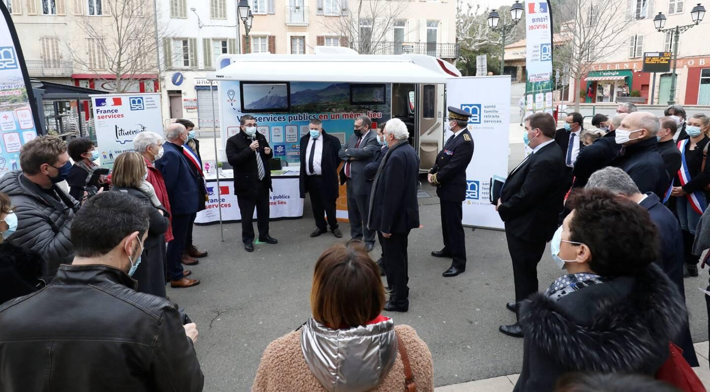 Le bus de la Maison France Services va d'abord servir de centre de vaccination mobile.