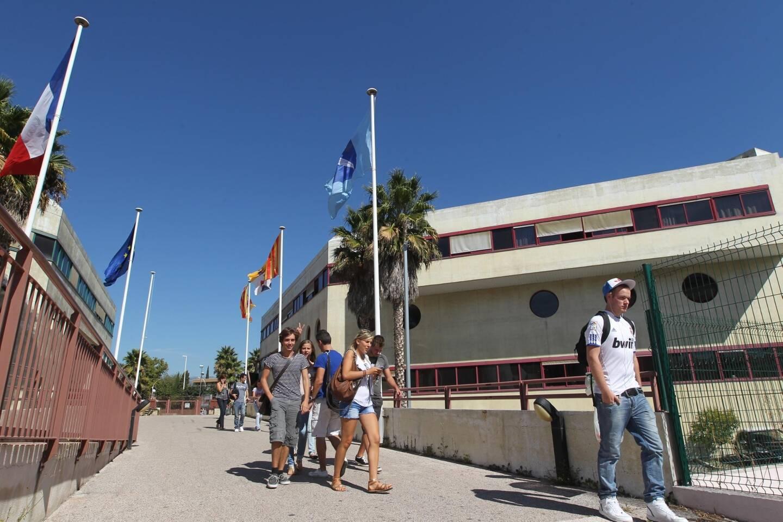 BTS tourisme et MCO à la Faculté des métiers.