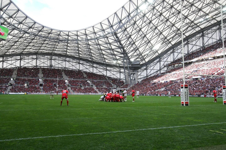 Le stade Vélodrome accueille régulièrement l'équipe de France et le RCT.