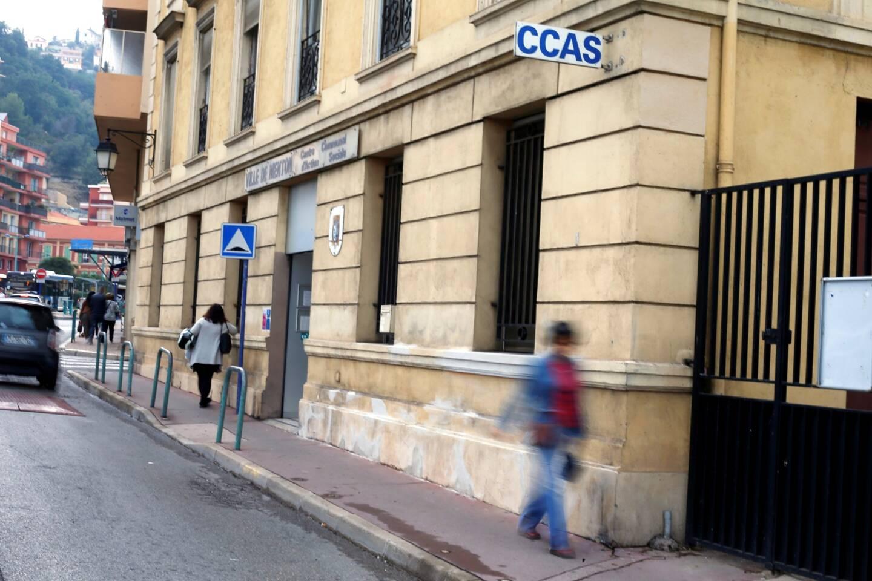 Le service de relayage est assuré par le service de soins infirmiers à domicile du CCAS de Menton.