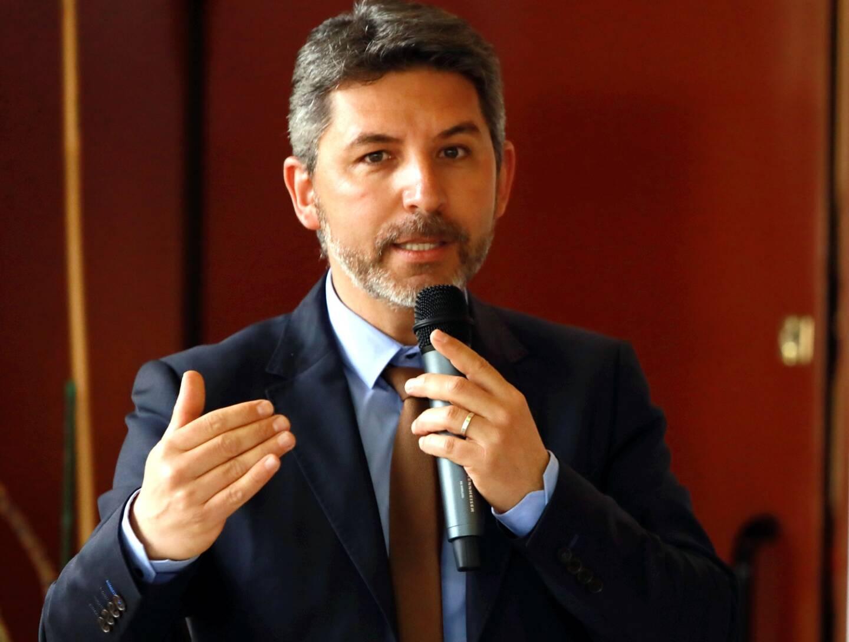 Frédéric Guigou, directeur communication de Pizzorno Environnement, a fait part des bonnes pratiques de l'UPV, CMAR Var, Veolia région Méditerranée.
