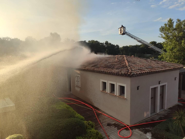 Incendie au polo Club de Gassin