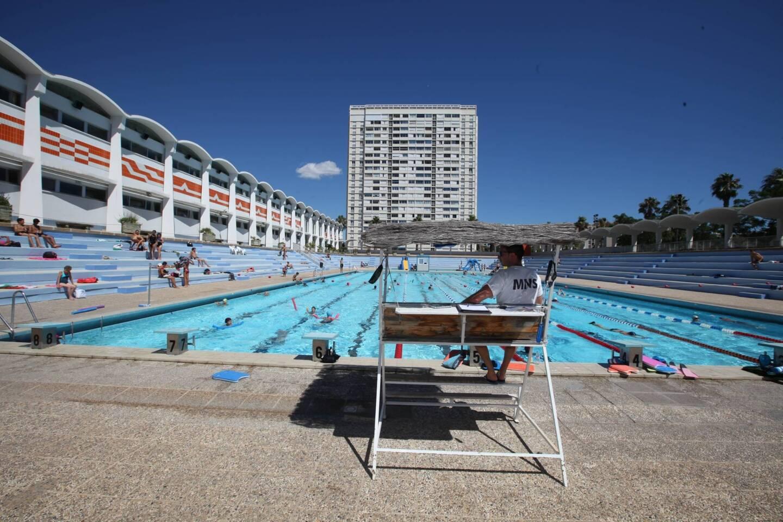 La piscine de Port Marchand va bénéficier d'un dispositif «solaire-thermique» qui doit couvrir 20% des besoins énergétiques du bâtiment.