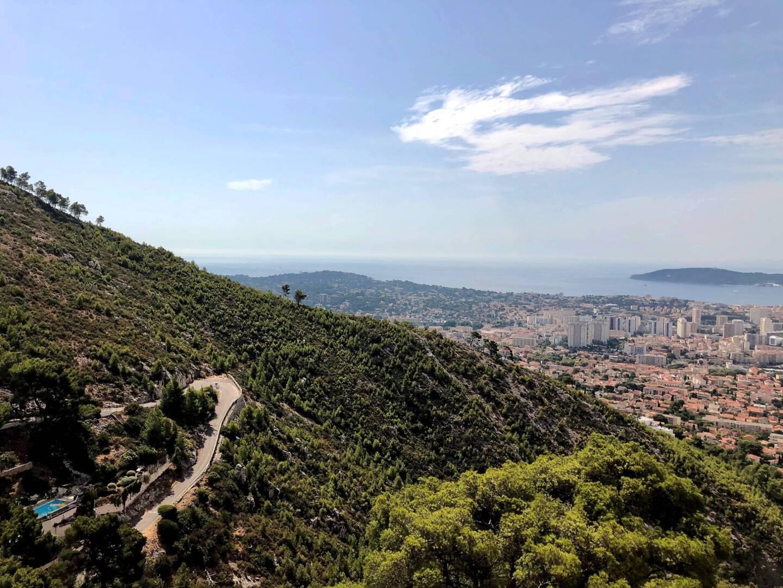 Le mont Faron, sur les hauteurs de Toulon.