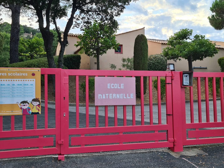 L'enseignante de la petite section de l'école maternelle de La Croix-Valmer a été testée positive à la Covid-19 vendredi 12 février.