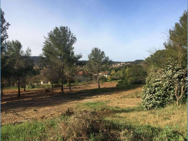 Pour le site de Coste Chaude, Nathalie Bicais reste ferme: pas de logement, mais une activité agricole.