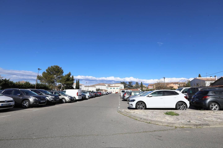 A partir du 1er mai, le stationnement sera payant dans des zones et parkings proches du centre-ville notamment sur le parking des Cerisiers.