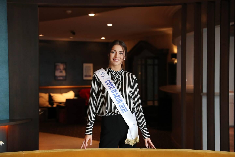 Lara Gautier, élue Miss Côte d'Azur et deuxième dauphine de Miss France, a retrouvé sa vallée natale dans les Alpes-Maritimes et compte bien y passer du bon temps en famille.