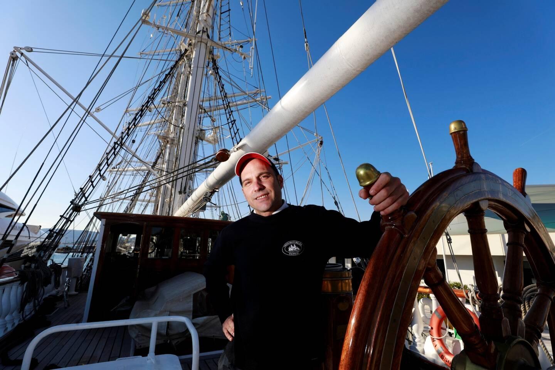 Frustré mais réaliste, le capitaine du Belem attend des jours meilleurs et le tant attendu retour en mer.