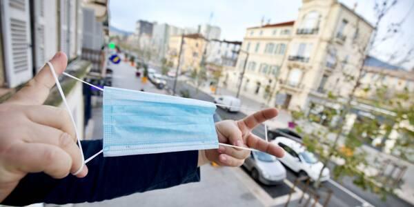 Le port du masque est obligatoire à Draguignan depuis le 31 octobre et jusqu'à aujourd'hui inclus. Prudence, cette mesure risque (très certainement) d'être reconduite à nouveau. Restez informés!