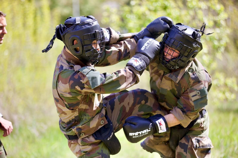 Exercice d' étudiants militaires à Draguignan.