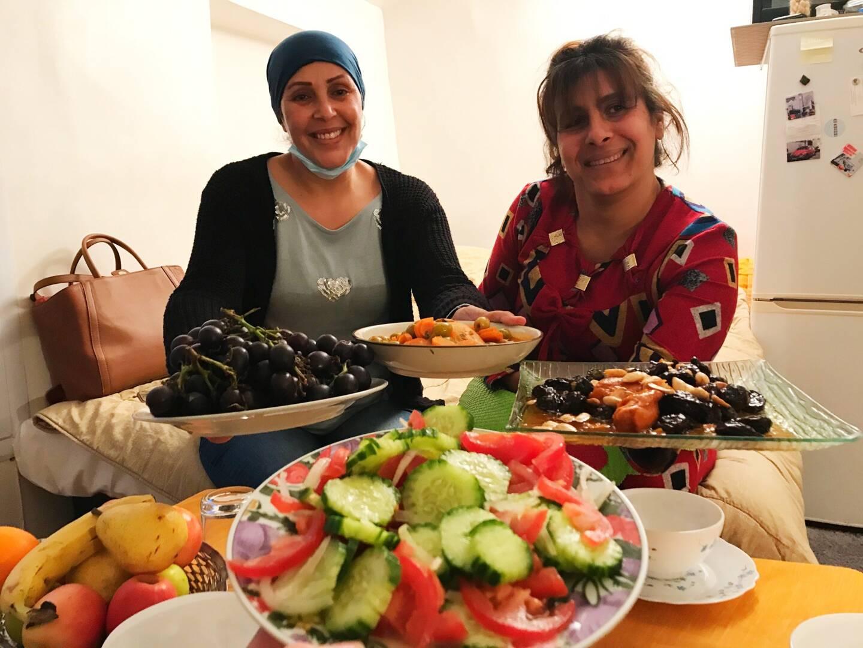 La fête en comité réduit mais toujours aussi généreuse pour la Dracénoise Badra et son amie Nadia.