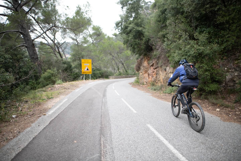 En contrebas de la route reliant Draguignan à Châteaudouble, un tronçon de la Vigne à vélo va naître.