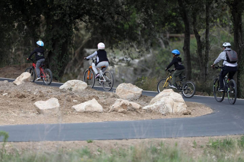 600000euros ont été injectés pour la réalisation du dernier tronçon de Vigne à vélo reliant La Clappe et Rebouillon.
