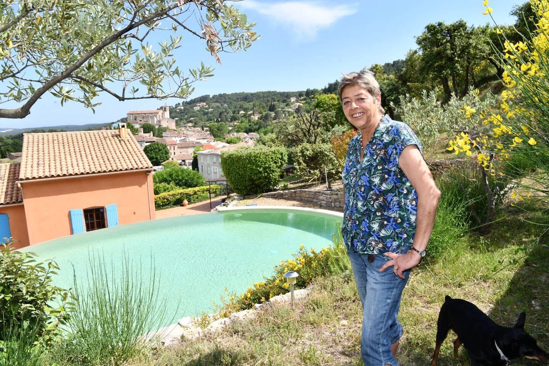 Catherine Bosson possède une maison d'hôtes à Figanières.