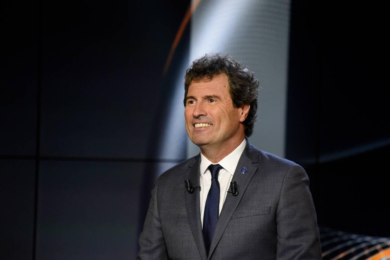 Ses envolées lyriques ont fait de lui l'un des commentateurs préférés des Français. Omar Da Fonseca vit le football comme une fête.