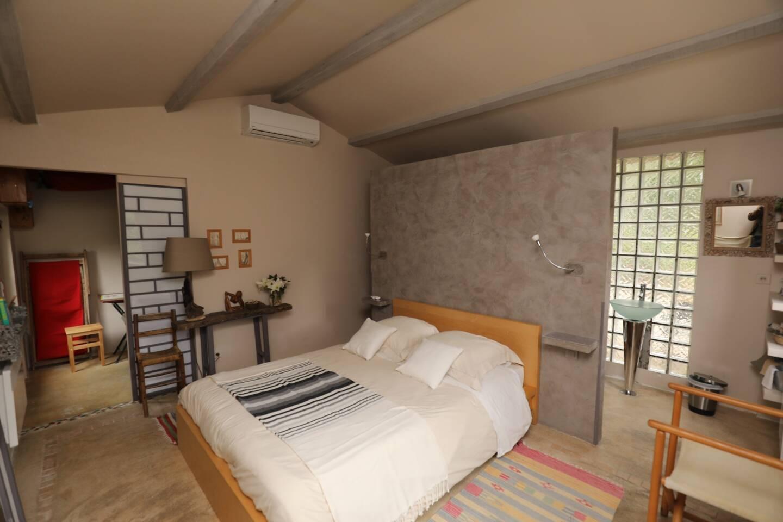 La Sévoriane: une chambre pleine de charme rénovée récemment.