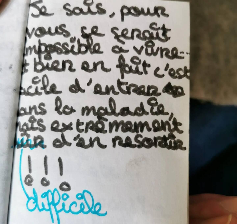 A 10 ans, Marina avait écrit un minijournal avec déjà l'envie de témoigner pour aider.