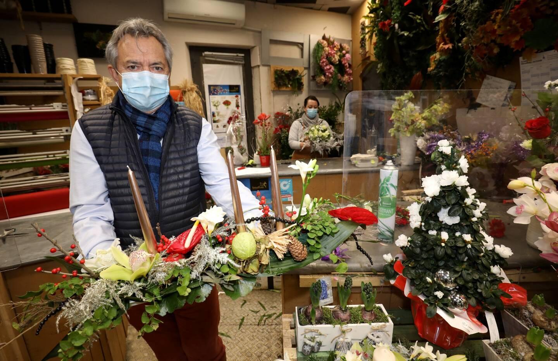 """En centre-ville, les commerçants font le même constat: les rues sont remplies à l'approche de Noël. De quoi leur permettre de réaliser de meilleures ventes, malgré la crainte de """"l'après fêtes..."""""""
