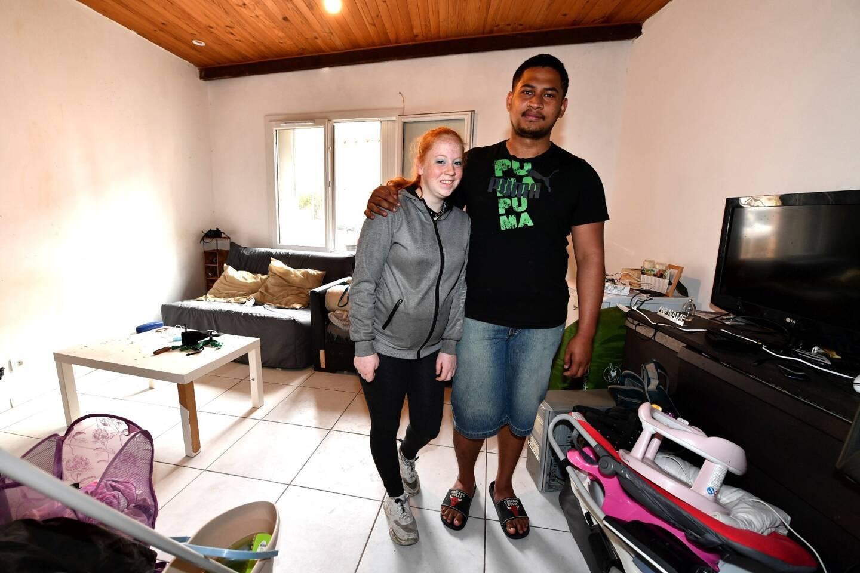Ridge et Coline souhaitent coûte que coûte quitter leur studio plein d'humidité situé dans la vieille ville. Ils comptent sur la solidarité des Hyérois pour trouver un logement décent pour accueillir leur nouveau-né.
