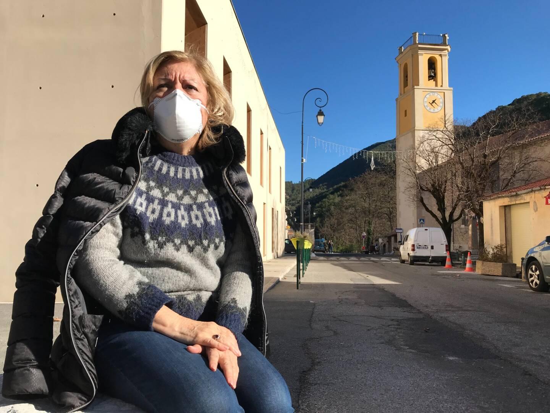 Michaela Singeorzan, seul médecin de la vallée, installée notamment à la maison de santé de Roquesteron, est en première ligne face à l'explosion de cas.