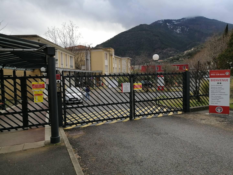 À l'Ehpad du centre hospitalier de Breil-sur-Roya, 45 résidents ont été contaminés et vingt membres du personnel soignant sont positifs.