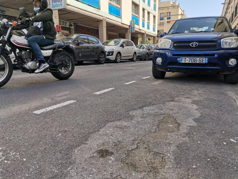 Déformation de chaussée à Hyères.