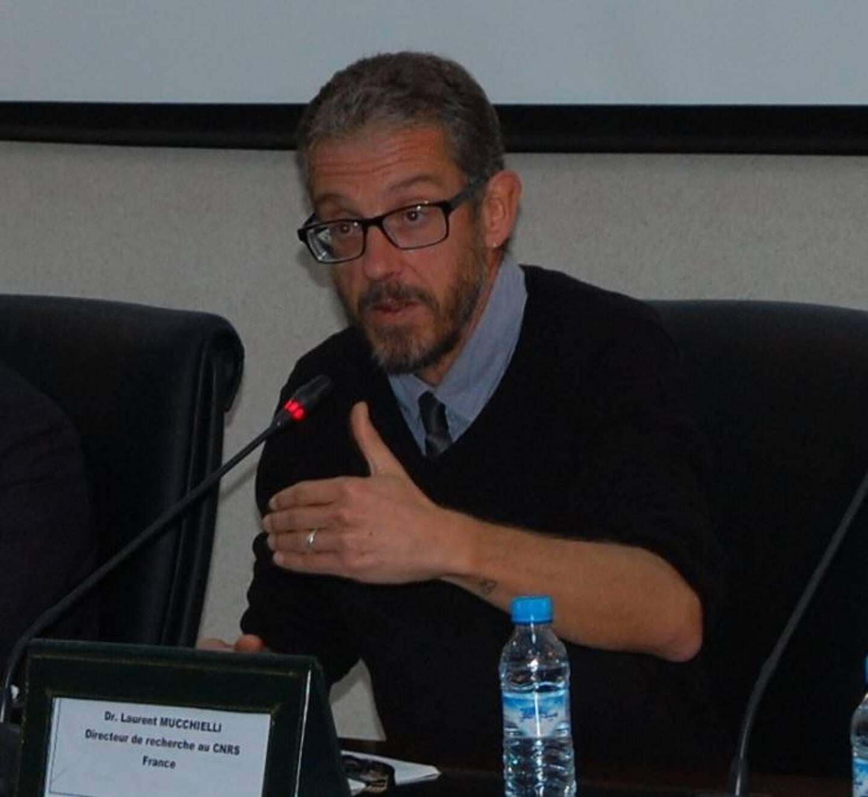 Sociologue spécialisé dans la délinquance des jeunes, directeur de recherche au CNRS, Laurent Mucchielli va à l'encontre du discours ambiant sur les rixes entre bandes.