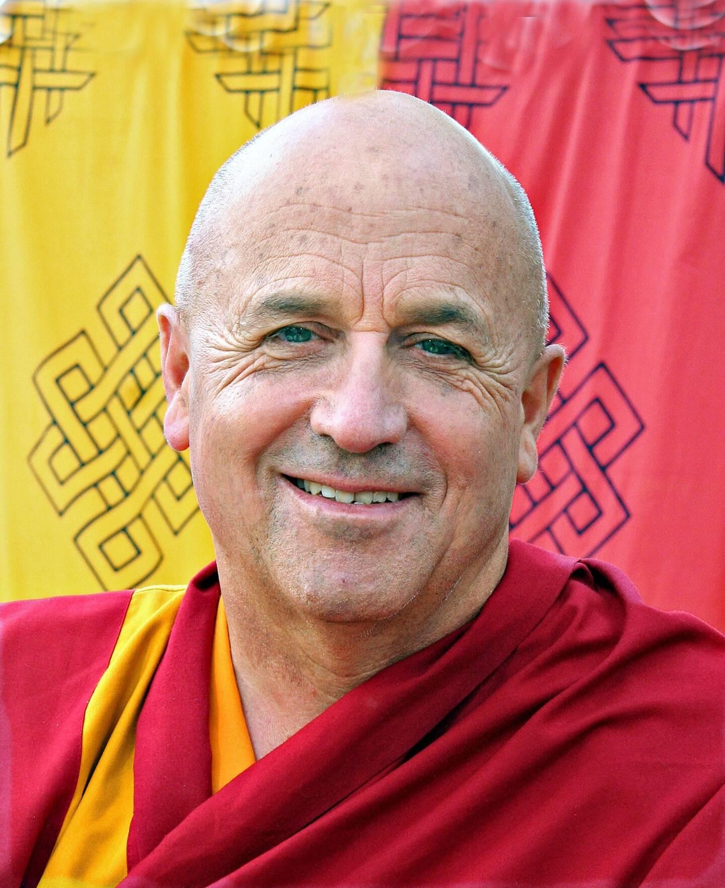 Interprète officiel du Dalaï-Lama, photographe, humanitaire, scientifique… Matthieu Ricard vit depuis le confinement en Dordogne.