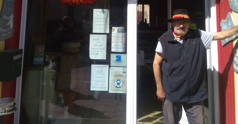 Depuis sa boutique, Serge Salaün a réconforté les sinistrés et les bénévoles en leur fournissant repas, petits-déjeuners, courses...