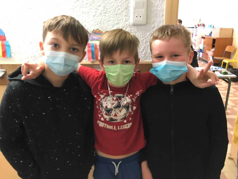 Sasha, Evan et Raphaël, plus traumatisés par la Covid que par le test salivaire...