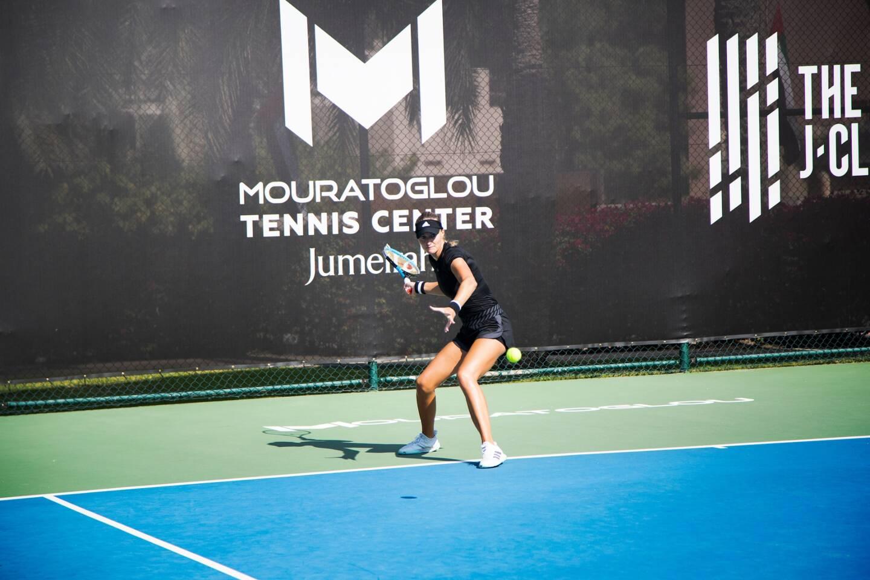 Kristina Mladenovic a déjà testé les nouveaux courts emiratis.