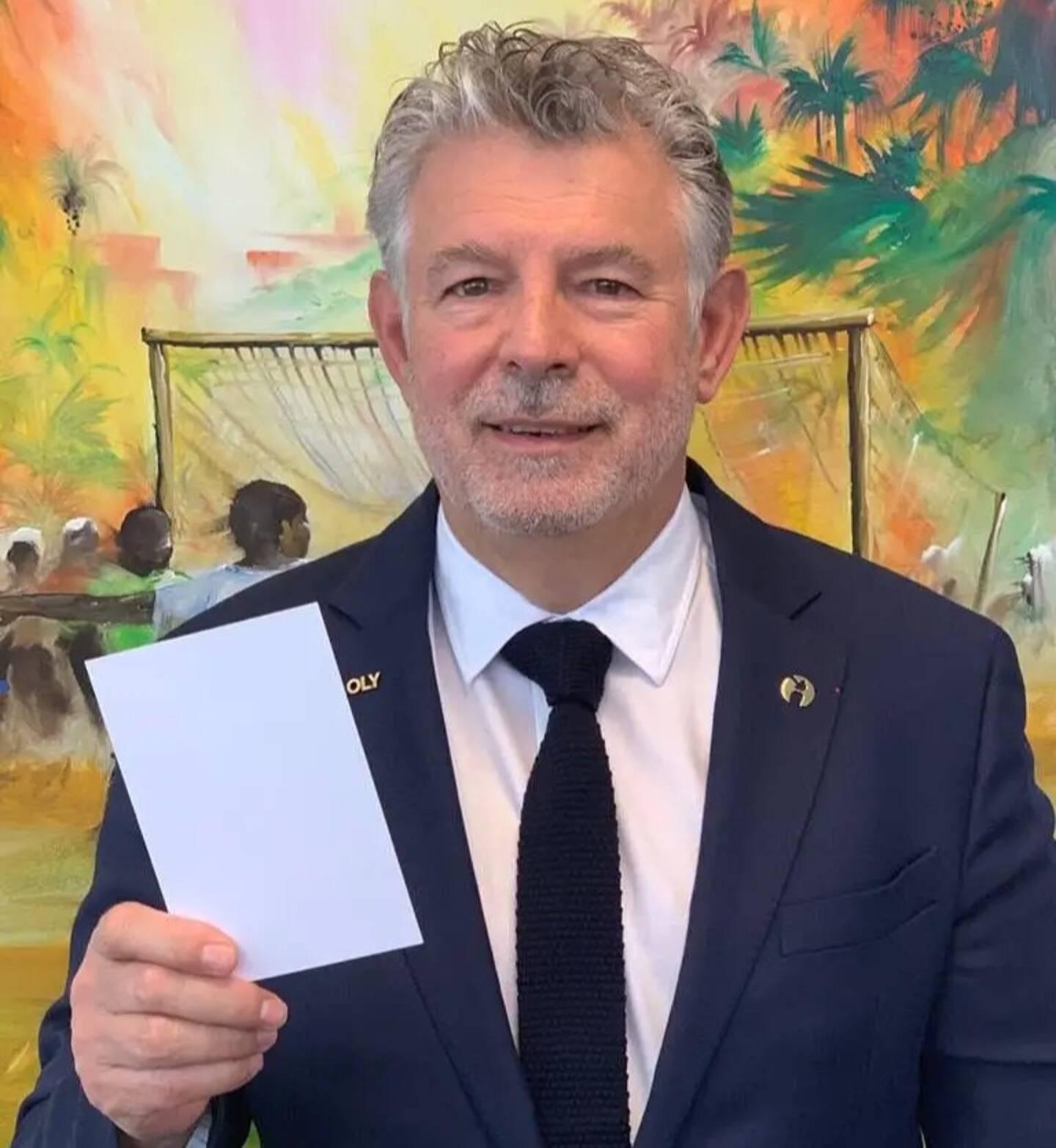 «Le carton blanc, c'est une valeur qui permet de faire la promotion des droits de l'Homme et de véhiculer le concept de la paix au sens des Nations unies, celui de la démocratie.»