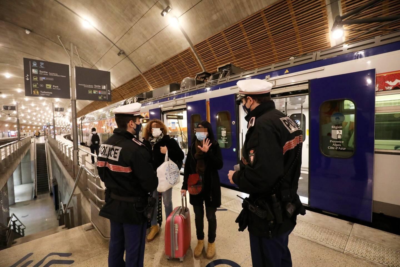 Sur toute la journée de samedi, 70 agents de la Sûreté publique ont été déployés sur le terrain pour contrôler les frontières du pays.