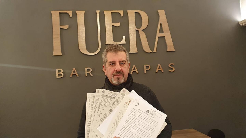 """À Cuneo, Fabrice est le porte-étendard du mouvement """"IoApro"""" (""""Moi, j'ouvre"""") lancé vendredi 15 janvier dans tout le pays."""